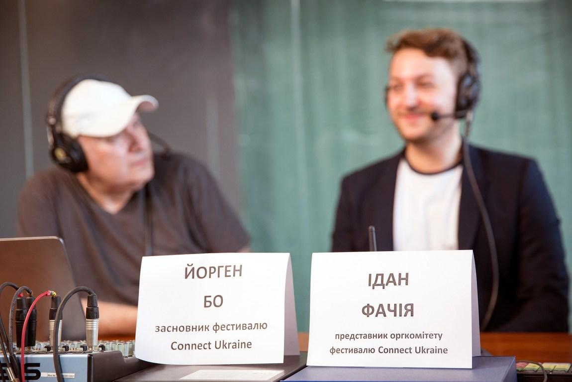 Jørgen har blitt en «snakkis» i Ukraina. Han har gjennomført over 15 intervjuer på tv og radio. Foto: Trym Gulla Dyrnes, NRK P3