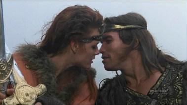Brigitte Nielsen og Arnold Schwarzenegger i Red Sonja. (Foto: Universal)