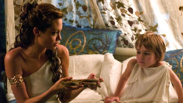 Angelina Jolie som Olympia i Alexander. (Foto: Nordisk film)