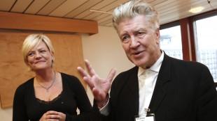 David Lynch møtte kunnskapsminister Kristin Halvorsen. (Foto: Erik Johansen / Scanpix)