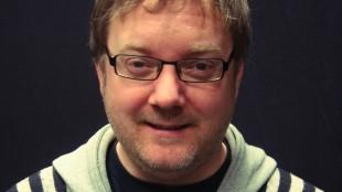 Programleder i Filmpolitiet, Birger Vestmo. (Foto: NRK)