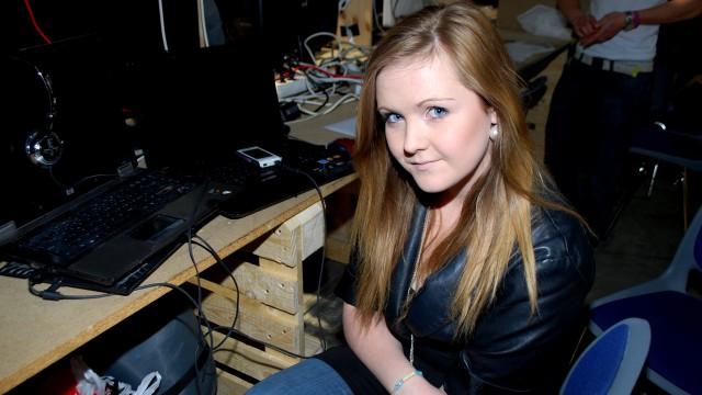 Cathrine Thorsen har rigget seg til, nå venter hun bare på vennene sine. (Foto: Silje Strømmen, NRK P3)