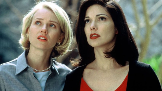 Naomi Watts og Laura Harring i Mulholland Drive. (Foto: Universal Pictures)