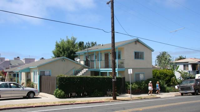 Huset hvor den ene fyren bodde i serien. (Foto: NRK)
