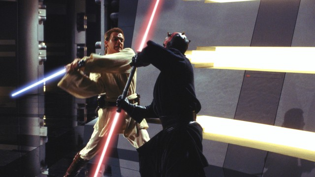 Ewan McGregor og Ray Park i Star Wars: Episode 1 - Den skjulte trussel (Foto: Twentieth Century Fox).Ewan McGregor og Ray Park i Star Wars: Episode 1 - Den skjulte trussel (Foto: Twentieth Century Fox).