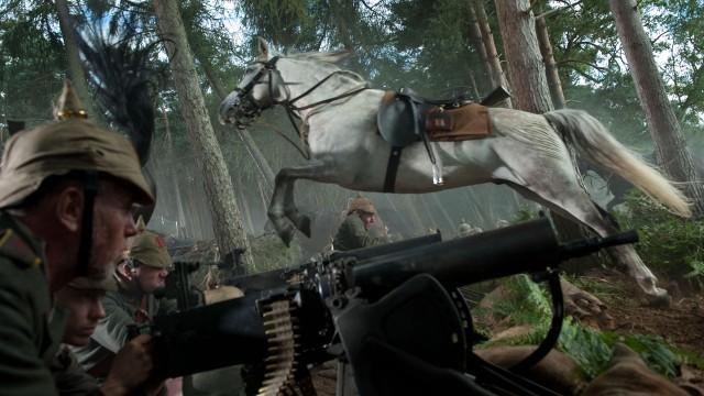 En av de mange gode sekvensene i War Horse (Foto: The Walt Disney Company Nordic).
