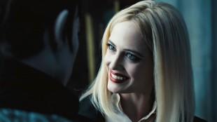 Eva Green spiller den sjalu heksa Angie i Dark Shadows (Foto: SF Norge).