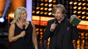 Produsent Marianne Gray og regissør Morten Tyldum mottok Folkets Amanda for Hodejegerne (Foto: Scanpix).