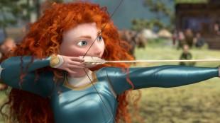 Merida må bruke sine ferdigheter i bueskyting i Modig (Foto: The Walt Disney Company Nordic).