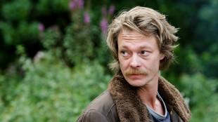 Kristoffer Joner spiller William i Uskyld (Foto: Erik Aavatsmark).