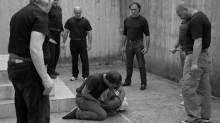 Luftegården brukes som scene i Cæsar må dø! (Foto: ActionFilm).