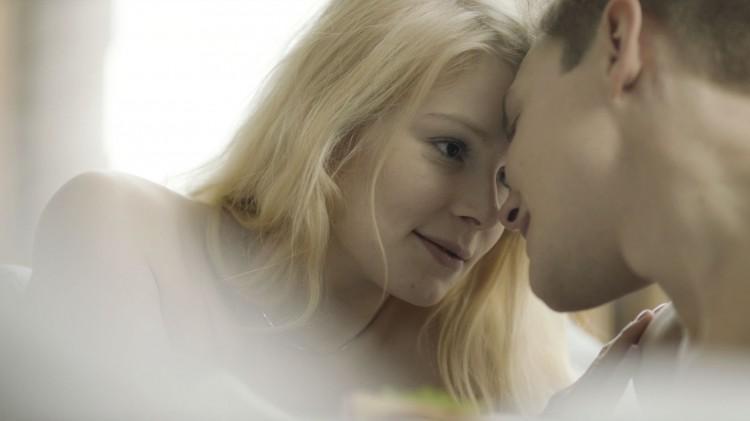 Pamela Tola og Espen Klouman Høiner i En som deg bilde (Foto: 4 1/2 & Norsk Filmdistribusjon).