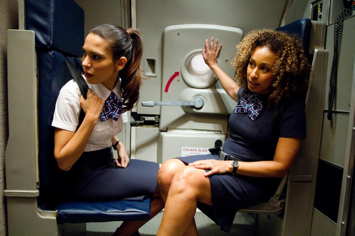 Nadine Velazquez og Tamara Tunie i Flight (Foto: United International Pictures).