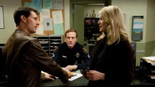 Jack Reacher-forfatter Lee Child dukker opp mellom Tom Cruise og Rosamund Pike (Foto: United International Pictures).