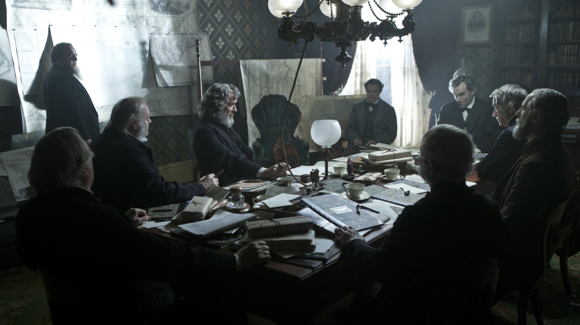 Et viktig møte finner sted i Lincoln (Foto:Twentieth Century Fox Norway).