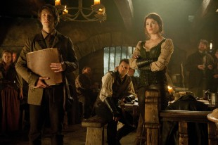 Jeremy Renner og Gemma Arterton i Hansel and Gretel: Witch Hunters (Foto: SF Norge AS).