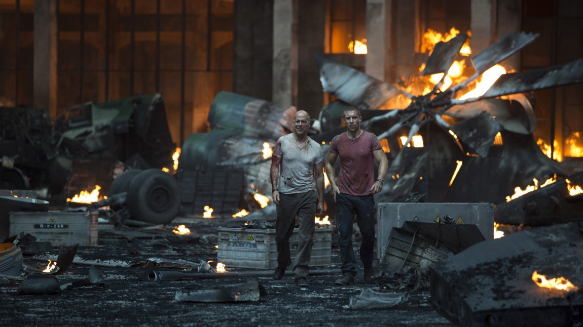 Jai Courtney og Bruce Willis i A Good Day to Die Hard (Foto: 20th Century Fox).