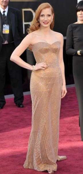Jessica Chastain så ut som en ekte Jessica Rabbit. (Foto: John Shearer/Invision/AP, NTB Scanpix).