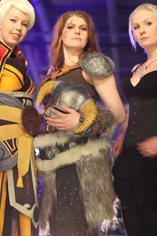 Martine Tufte, Christina Erring Bårdsen og Hanna Duna var dommere for cosplaykonkurransen på The Gathering. (Foto: Marte Hedenstad, NRK P3).