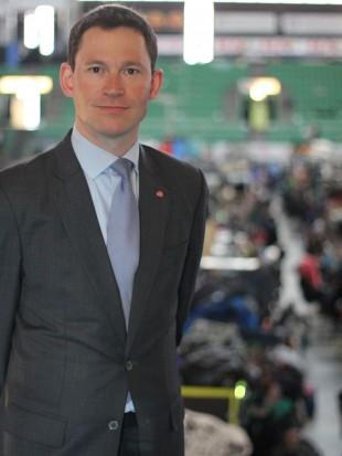 Statssekretær Eirik Øwre Thorshaug besøkte The Gathering. (Foto: Marte Hedenstad, NRK P3).