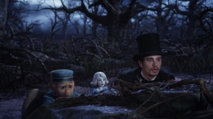Finley, porselensjenta og Oscar (James Franco) i Oz: The Great and Powerful (Foto: The Walt Disney Company Nordic).