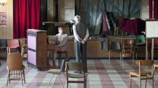 Gemma Arterton og Terence Stamp i Sang for Marion (Foto: Scanbox).