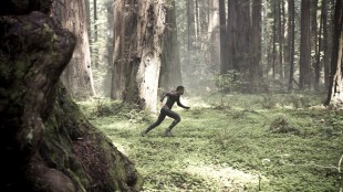 Jaden Smith i farlige omgivelser i After Earth (Foto: The Walt Disney Company Nordic).
