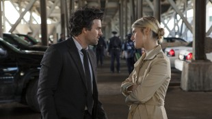 Mark Ruffalo og Mélanie Laurent i Now You See Me (Foto: Nordisk Film Distribusjon AS).