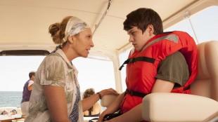 Toni Collette og Liam James som mor og sønn i The Way Way Back (Foto: Scanbox).