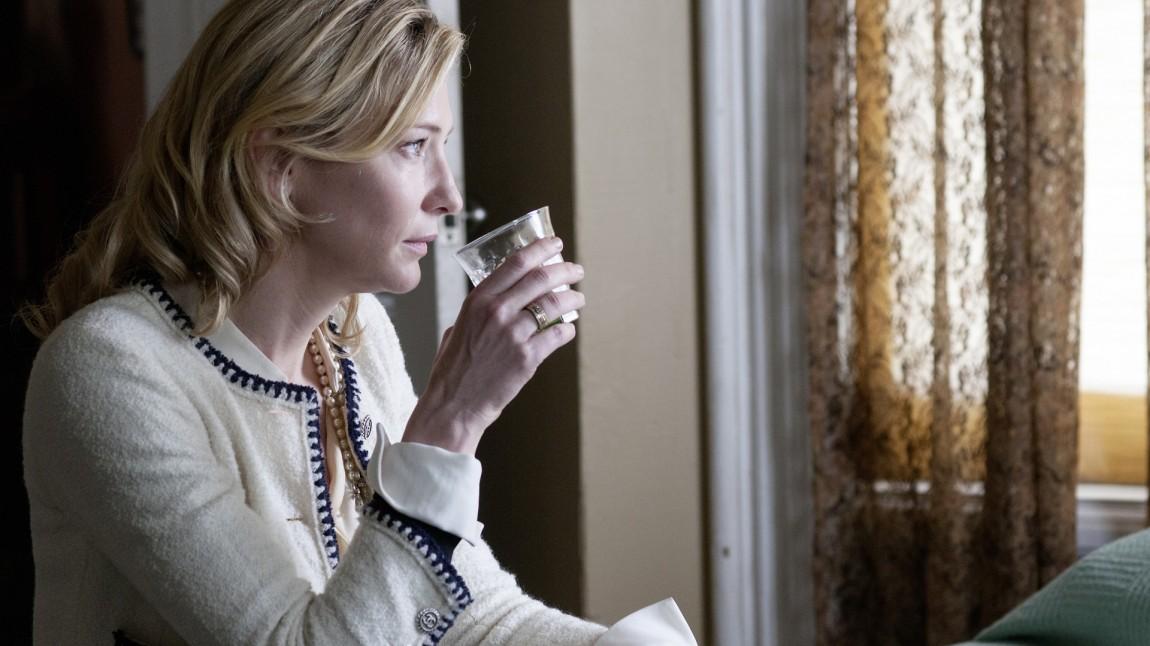 Cate Blanchett spiller sterkt i «Blue Jasmine». (Foto: Scanbox)