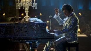 Michael Douglas som den legendariske pianisten Liberace (Foto: SF Norge AS).