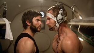 Wes Bentley i et intenst øyeblikk med André Eriksen i Pionér (Foto: Erik Aavatsmark / Friland Produksjon AS).