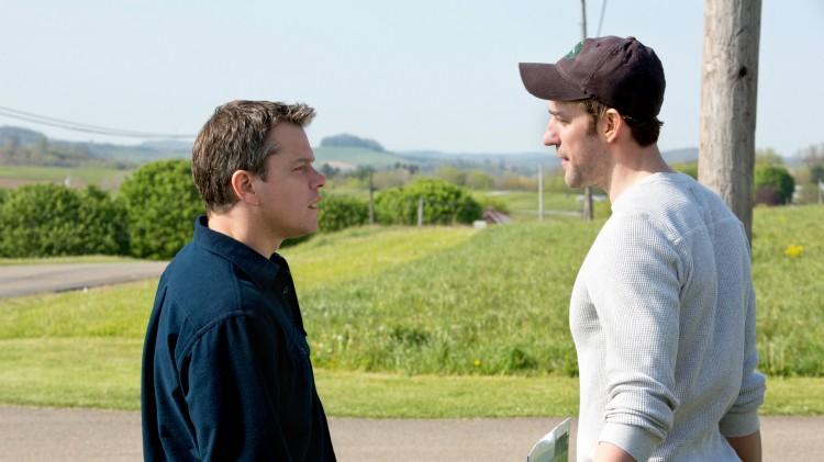 Matt Damon og John Krasinski både spiller i og har skrevet manus til Promised Land (Foto: Tour de Force).