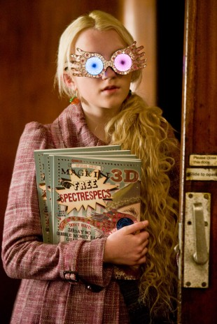 Evanna Lynch som Luna Lovegood. (Foto: Warner Bros)