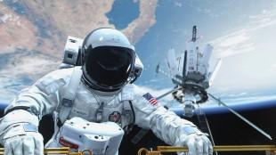 Spillet sparker i gang med dramatiske scener fra USAs hemmelige forsvarsanlegg i verdensrommet. Bilde fra «Call of Duty: Ghosts». (Foto: Activision)