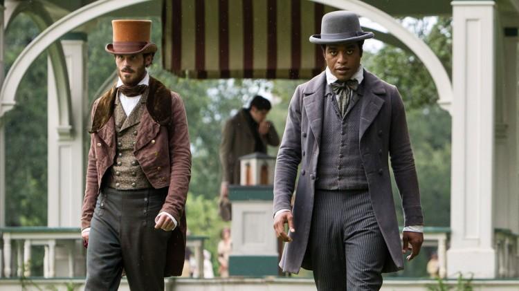 Solomon Northup (Chiwetel Ejiofor) er fri mann som kidnappes til slaveri i 12 Years a Slave (Foto: SF Norge).