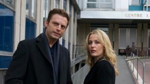 Justin Kirk og Gillian Anderson i en scene fra «Mr. Morgan's Last Love». (Foto: SF Norge)