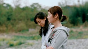 Machiko Ono og Yôko Maki spiller mødrene i Som far, så sønn (Foto: Arthaus).