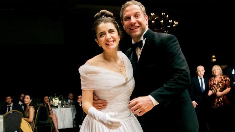Dette bryllupet blir snart mindre hyggelig i Relatos Salvajes (Foto: Norsk Filmdistribusjon).
