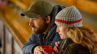 Ryan Reynolds og Mireille Enos i i The Captive. (Foto: A24).