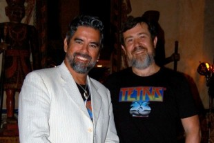 Henk Rogers (venstre) og Alexey Pajitnov ble forretningspartnere etter striden om «Tetris». (Foto: Macworld.com)