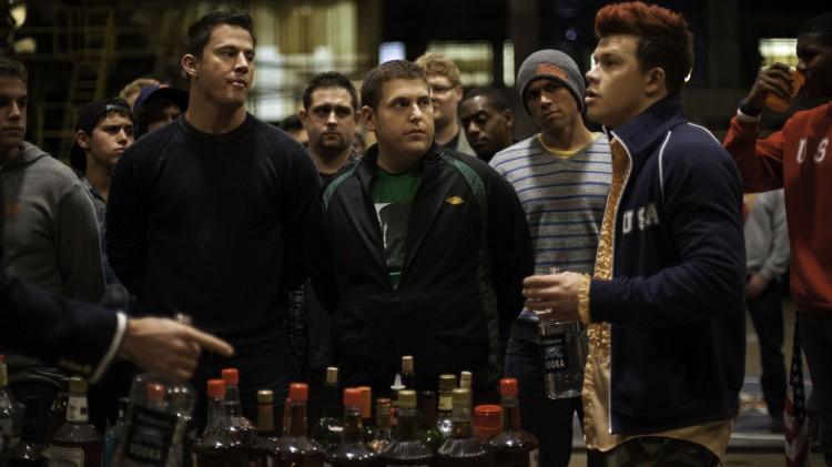 Det blir mye øl og festing når gutta i 22 Jump Street går undercover på college. (Foto: United International Pictures).
