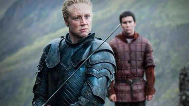 Gwendoline Christie er rå som Brienne i sesongfinalen. (Foto: HBO Nordic).