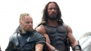 Aksel Hennie og Dwayne Johnson i Hercules (Foto: SF Norge AS).