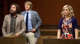 Zach Galifianakis, Owen Wilson og Amy Poehler i et promobilde til filmen «Are You Here». (Foto: Millennium Entertainment)