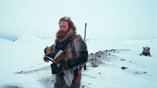 Kristofer Hivju spiller fangstmann i Operasjon Arktis (Foto: Filmkameratene/Nordisk Film Distribusjon AS).