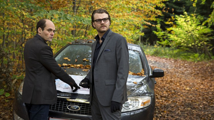 David Dencik og Pilou Asbæk spiller rike menn i Fasandreperne (Foto: Zentropa / Nordisk Film Distribusjon).