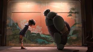 Hiro og Baymax trener karate i Big Hero 6 (Foto: The Walt Disney Company Nordic).