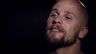 Tidligere dronepilot Brandon Bryant snakker ut i dokumentaren Drone (Foto: Tour de Force).