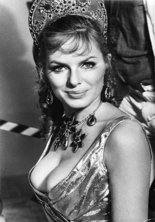 Julie Ege, her i filmen «Up Pompeii» fra 1971.  (Foto: NTBScanpix)